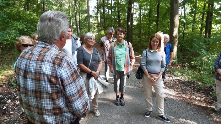 CDU beim Waldspaziergang